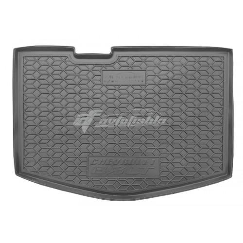на фотографии резиновый коврик в багажник для Chevrolet Bolt нижняя полка с 2016 года черного цвета от Avto-Gumm