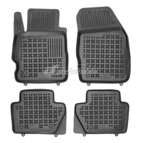 на фотографии коврики в салон резиновые для Ford Ka 3 (Ka+) с 2016 года черного цвета от Rezaw-Plast