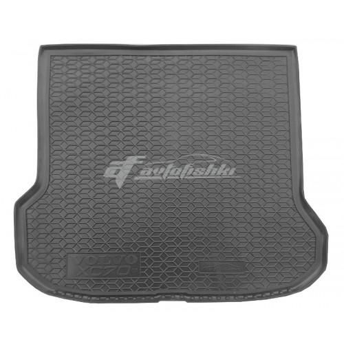 на фотографии резиновый коврик в багажник для Volvo V70 III 2007-2016 черного цвета от Avto-Gumm