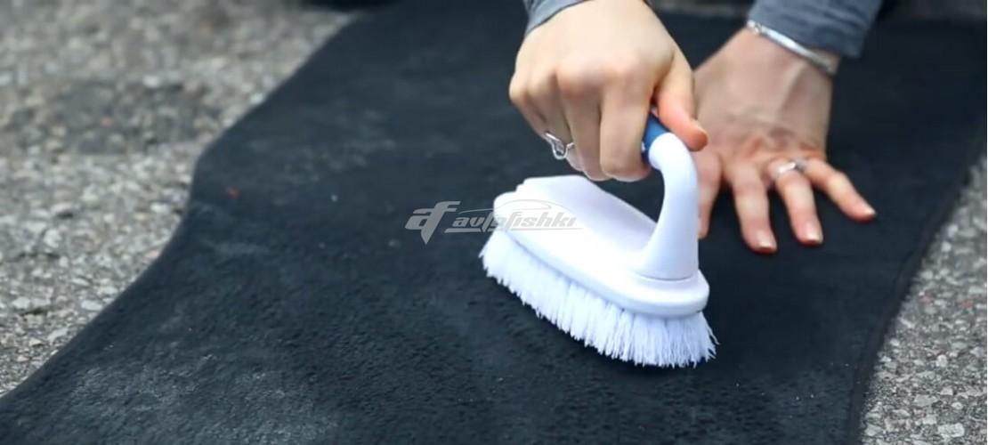 Как чистить ворсовые коврики